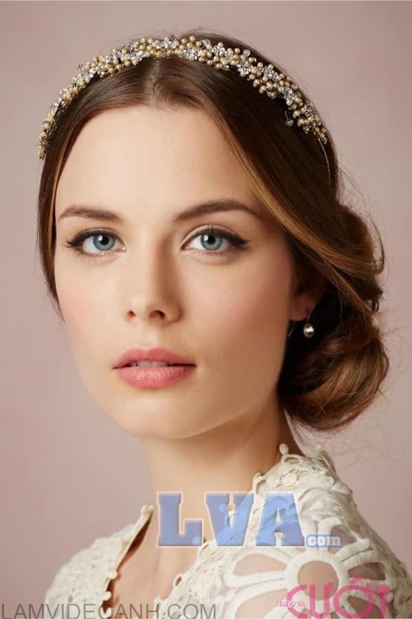 những mẫu hoa tai đẹp cho cô dâu mới