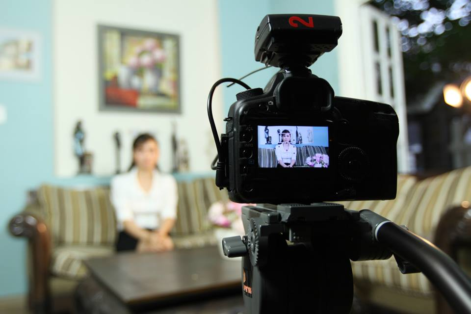 Thực hiện quay video quảng cáo