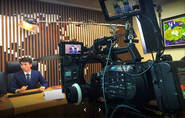 Trang thiết bị điện tử, trong khi quay phim quay phim