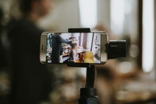 Hình ảnh chiếc gimbal điện thoại