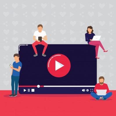 hình ảnh 4 người đang xem video quảng cáo facebook